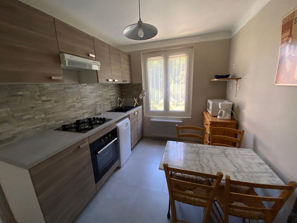 Appartement à louer 3 51.82m2 à Avignon vignette-2