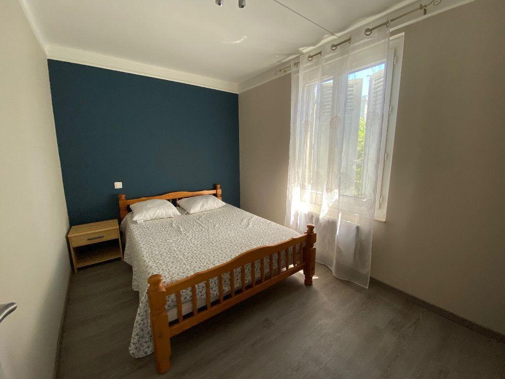 Appartement à louer 3 51.82m2 à Avignon vignette-5