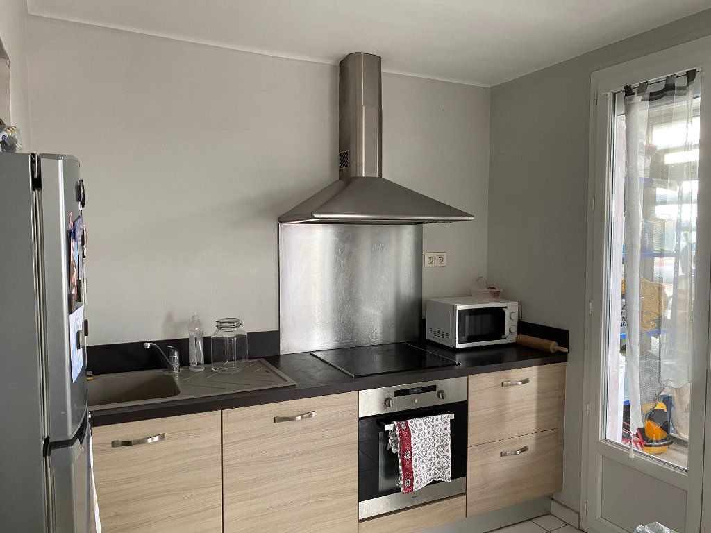 Appartement à louer 3 68m2 à Le Pontet vignette-3