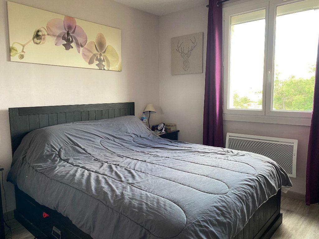 Appartement à louer 3 68m2 à Le Pontet vignette-4