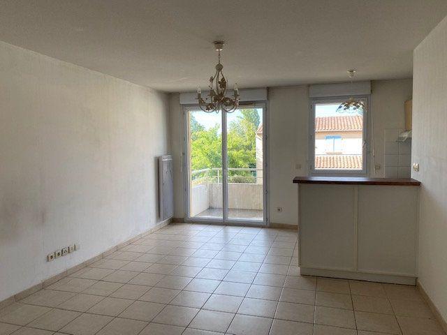Appartement à louer 2 41.16m2 à Morières-lès-Avignon vignette-1
