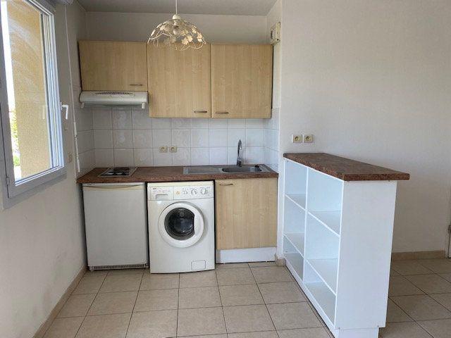 Appartement à louer 2 41.16m2 à Morières-lès-Avignon vignette-2
