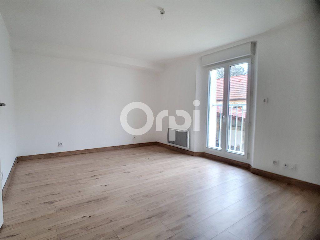 Maison à louer 3 91m2 à Champvoisy vignette-8