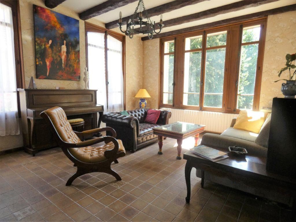 Maison à vendre 8 198.45m2 à Jaulgonne vignette-6