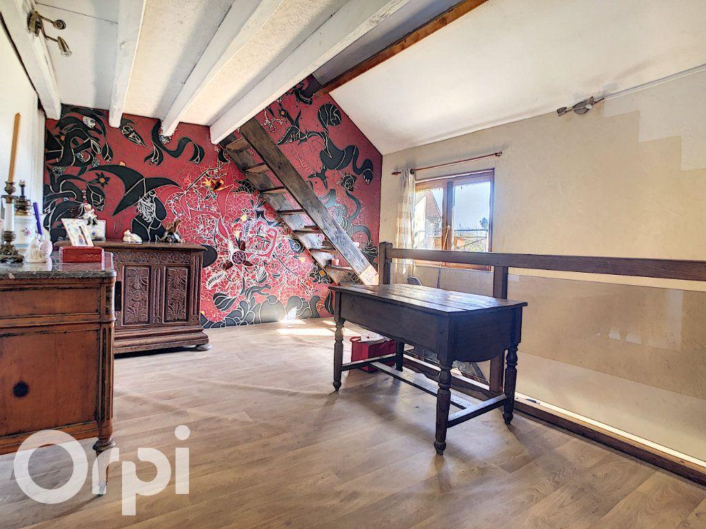 Maison à vendre 6 144.3m2 à Montlevon vignette-4