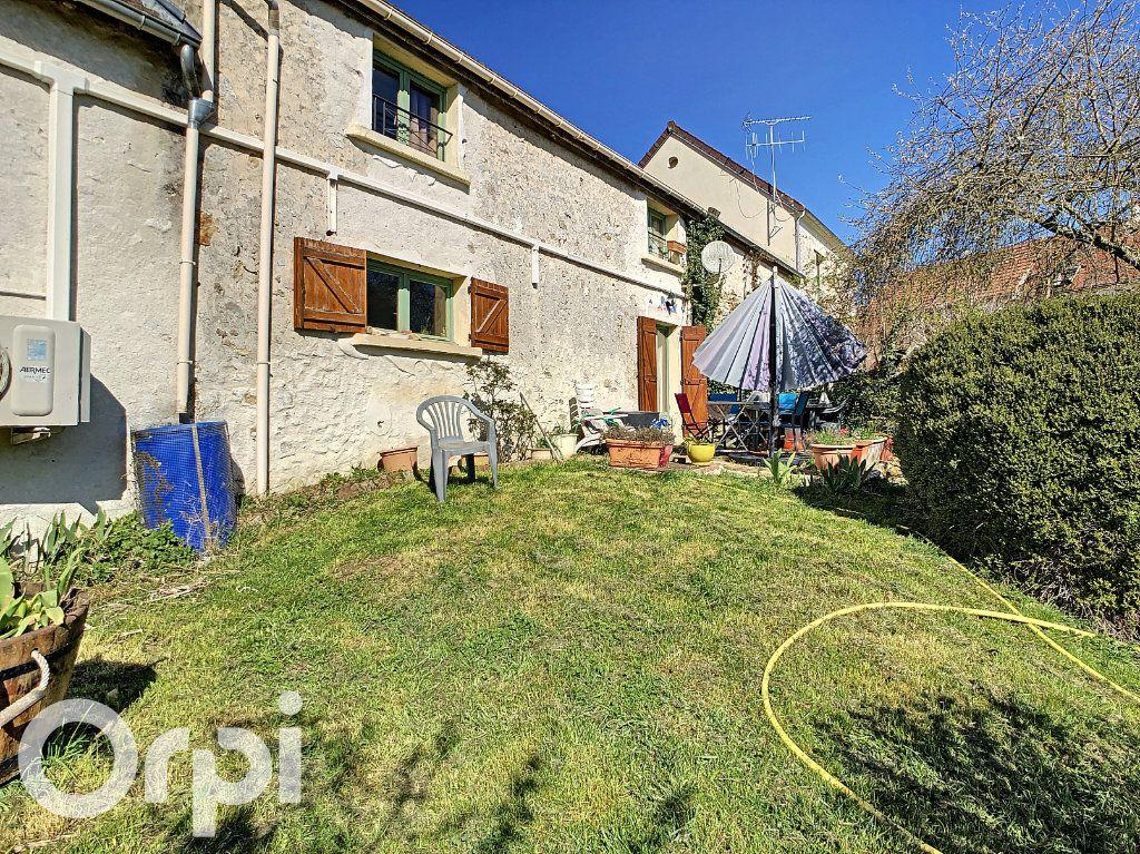 Maison à vendre 6 144.3m2 à Montlevon vignette-10