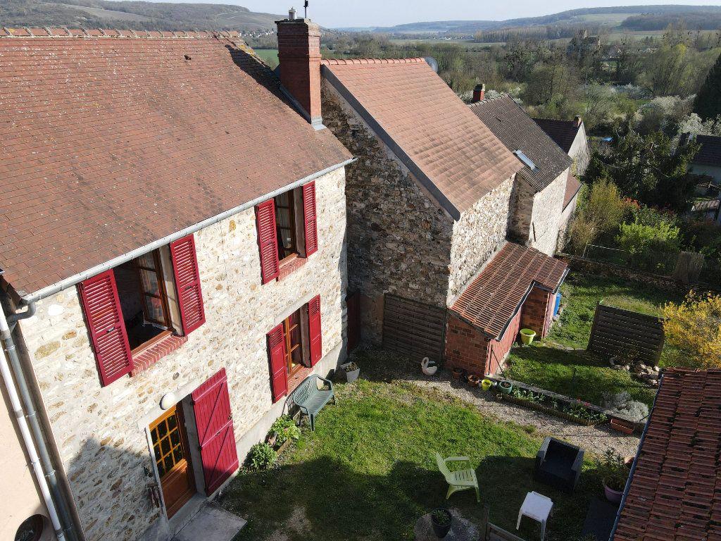 Maison à vendre 4 0m2 à Chartèves vignette-1