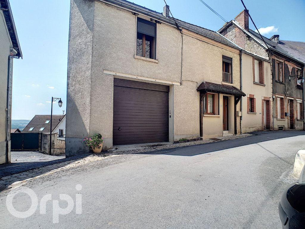 Maison à louer 4 100m2 à Châtillon-sur-Marne vignette-1
