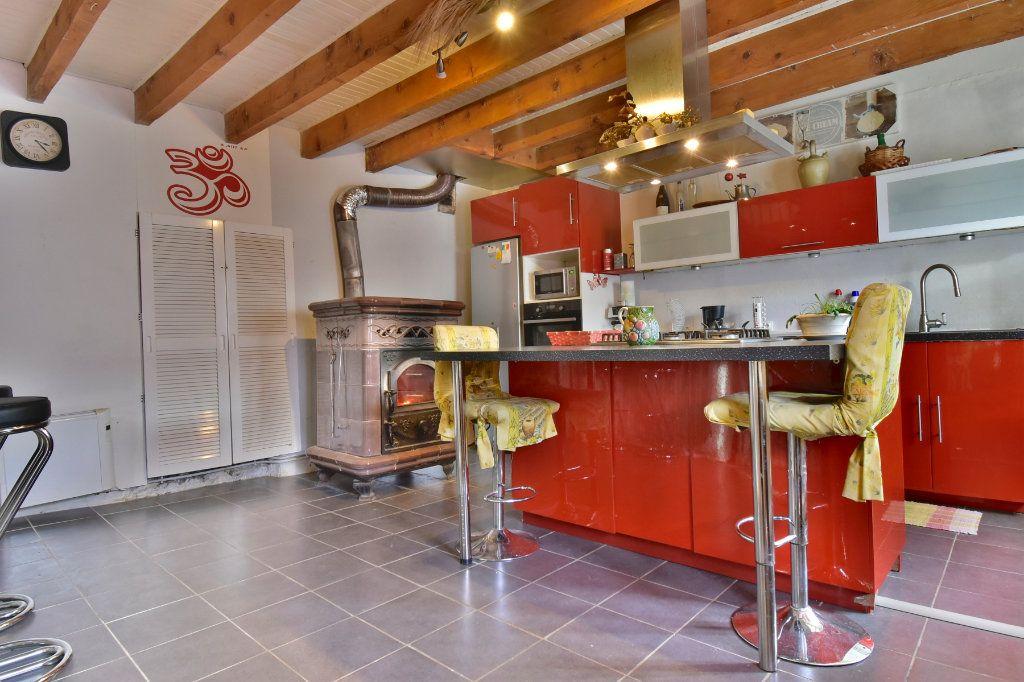 Maison à vendre 5 150m2 à Saint-Jean-de-Muzols vignette-3