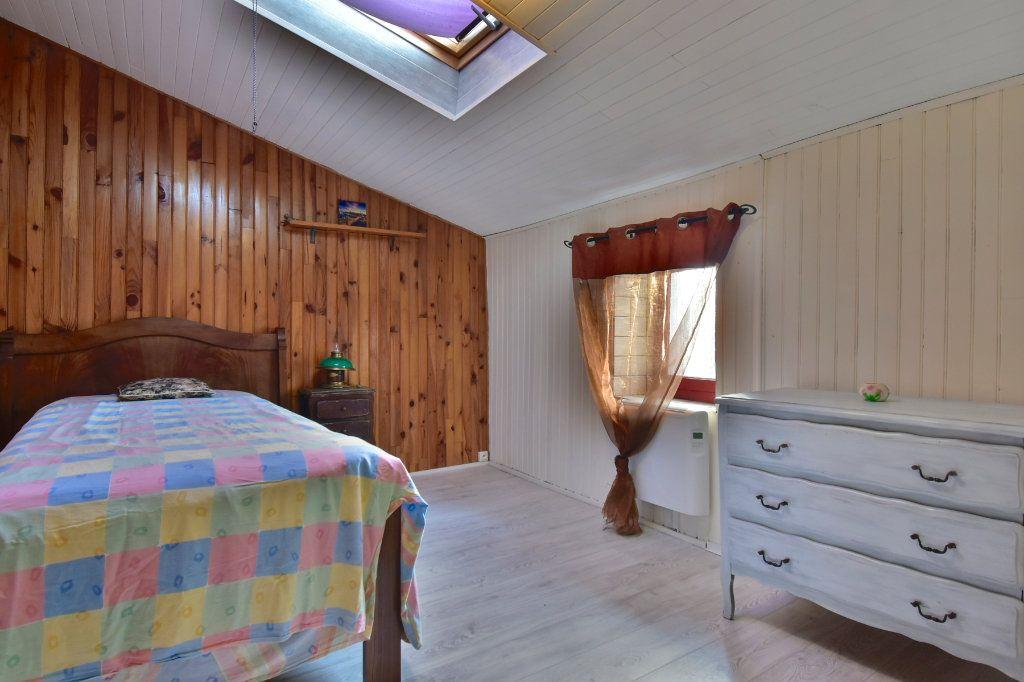 Maison à vendre 5 150m2 à Saint-Jean-de-Muzols vignette-9