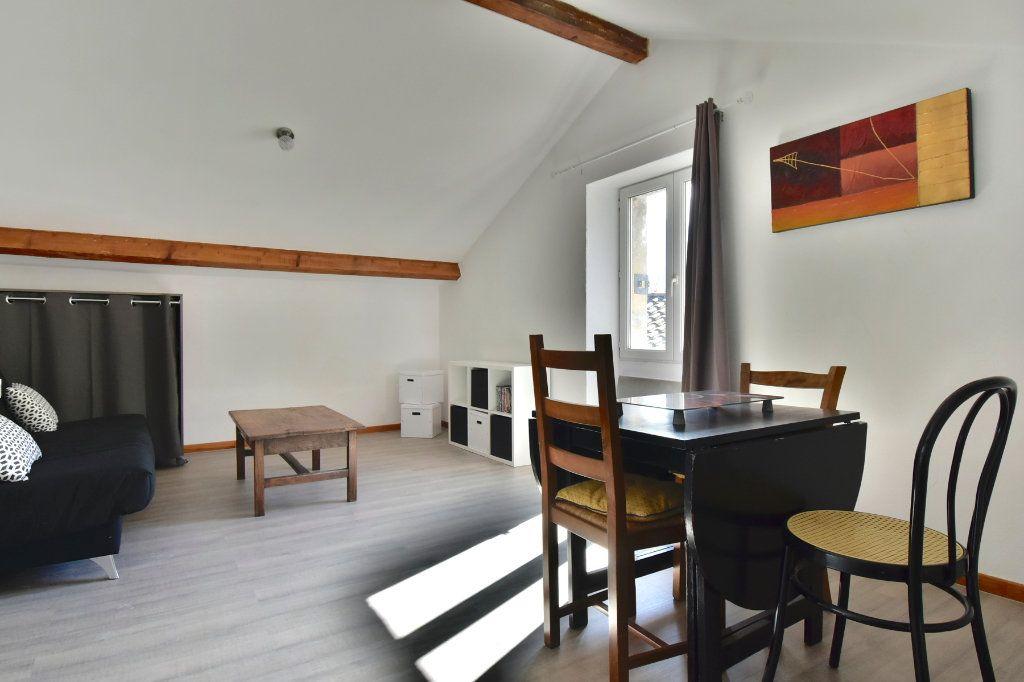 Appartement à louer 1 26.61m2 à Tournon-sur-Rhône vignette-2