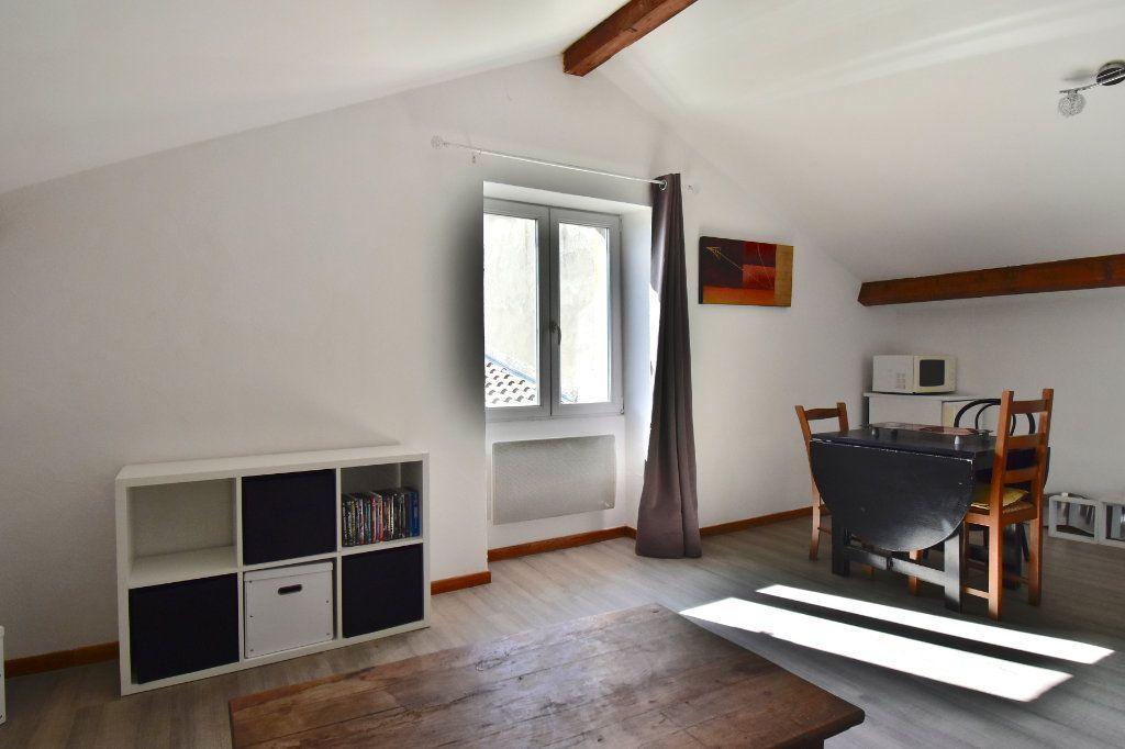 Appartement à louer 1 26.61m2 à Tournon-sur-Rhône vignette-4
