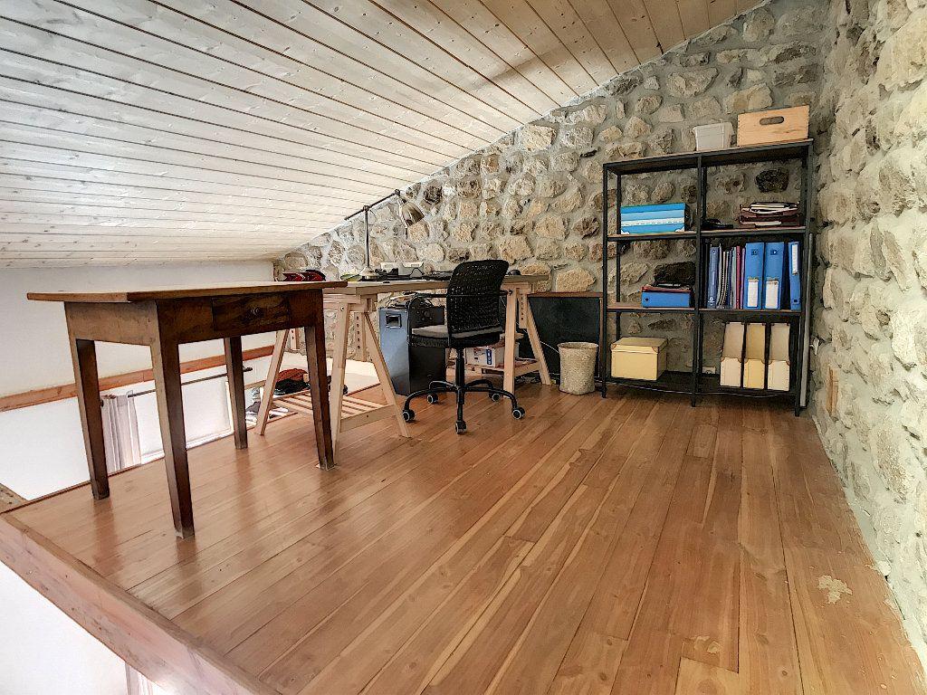 Maison à vendre 5 157m2 à Pailharès vignette-8