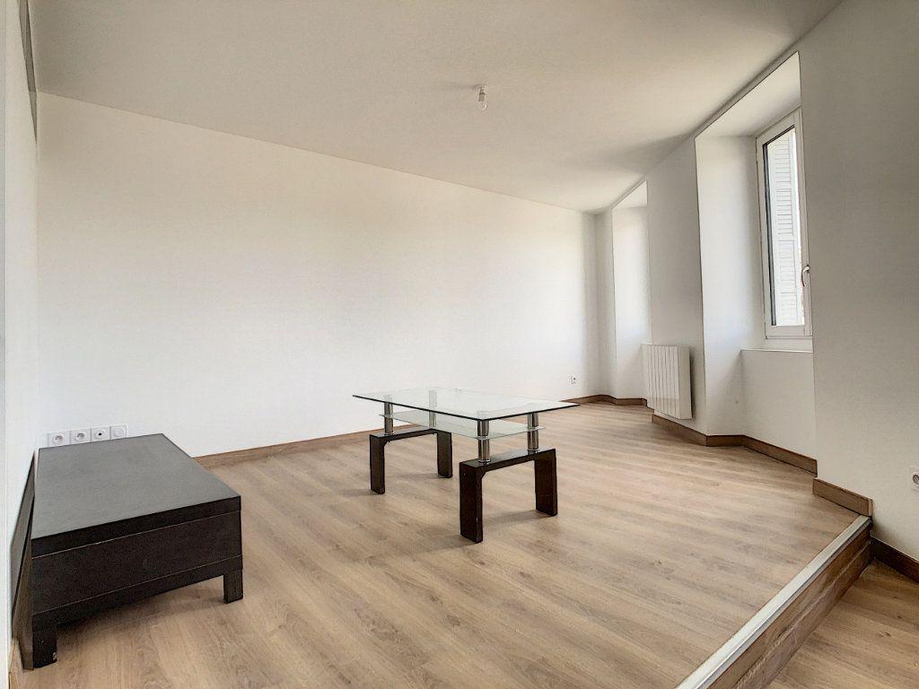 Appartement à louer 2 40.92m2 à Tournon-sur-Rhône vignette-4