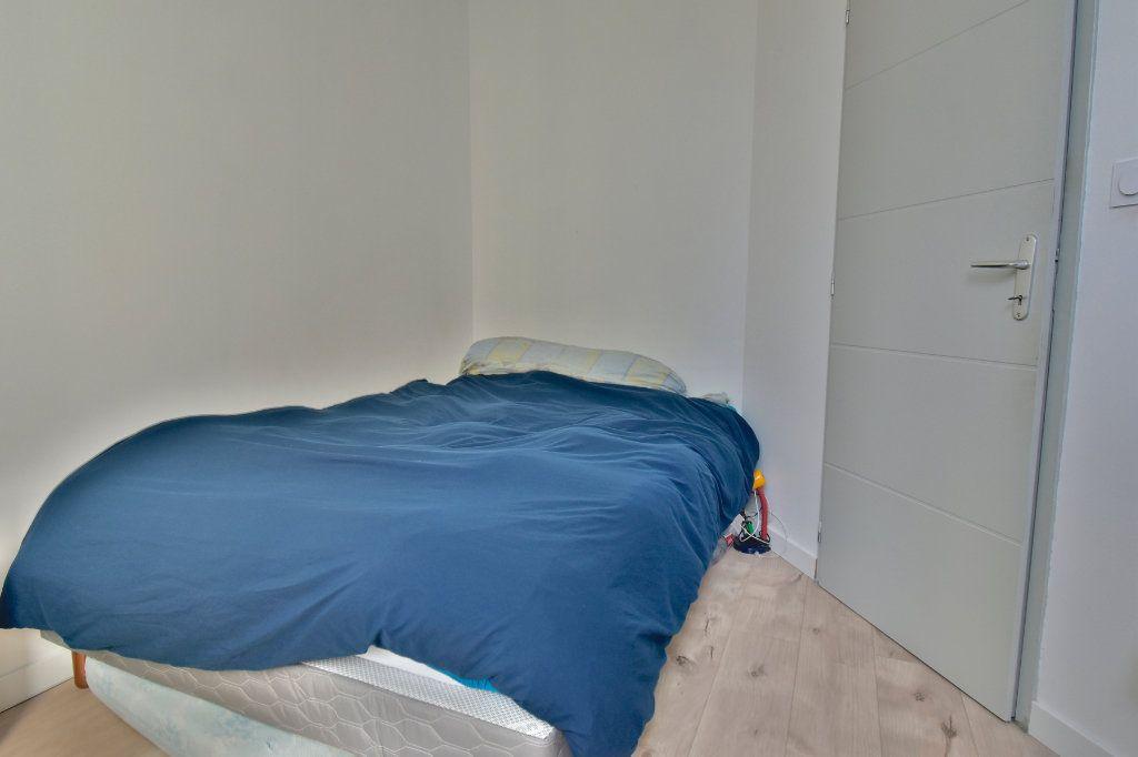 Appartement à louer 3 57m2 à Tournon-sur-Rhône vignette-4