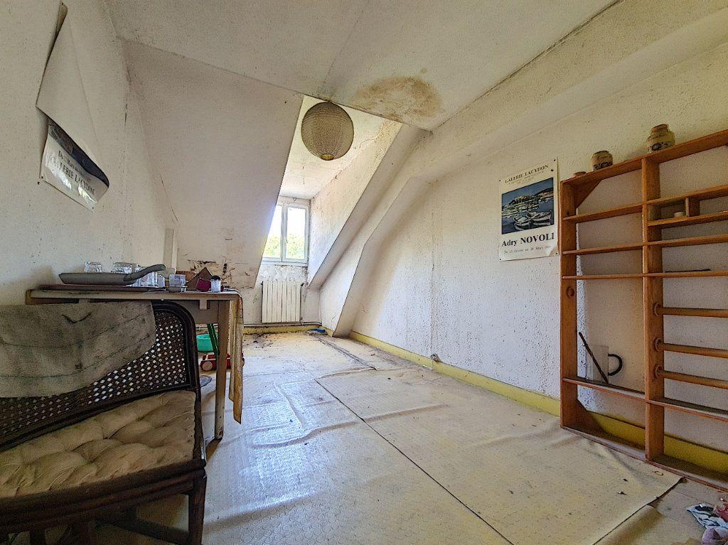 Appartement à vendre 4 120m2 à Tournon-sur-Rhône vignette-1