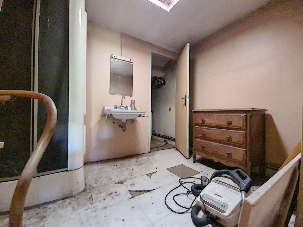 Appartement à vendre 4 120m2 à Tournon-sur-Rhône vignette-4