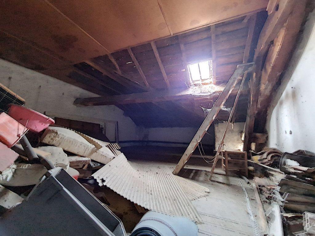 Appartement à vendre 4 120m2 à Tournon-sur-Rhône vignette-6