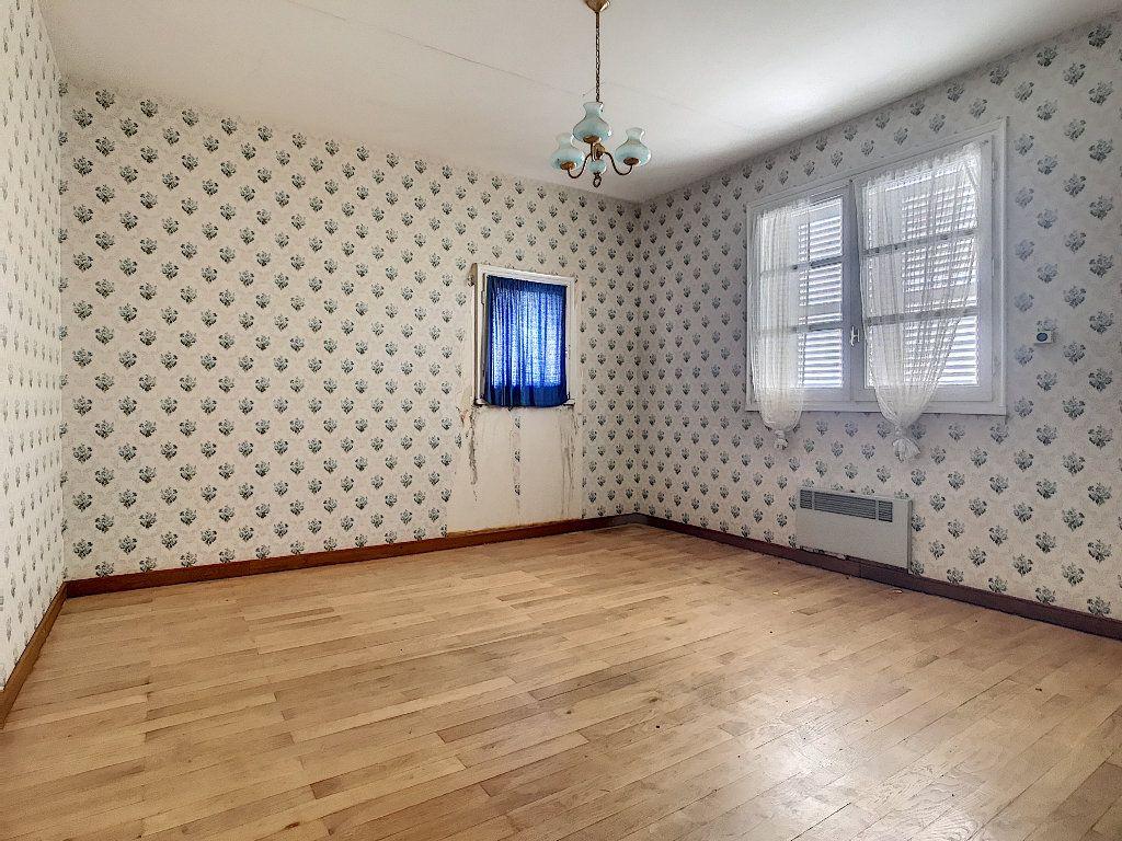 Maison à vendre 8 220m2 à Bozas vignette-8