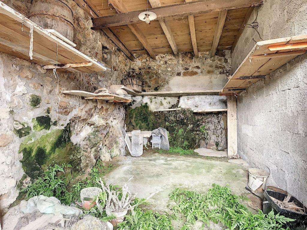 Maison à vendre 5 67m2 à Saint-Félicien vignette-2