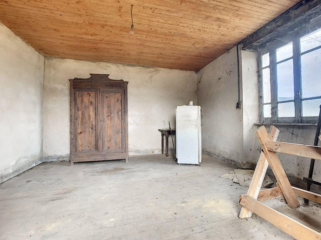 Maison à vendre 5 67m2 à Saint-Félicien vignette-3