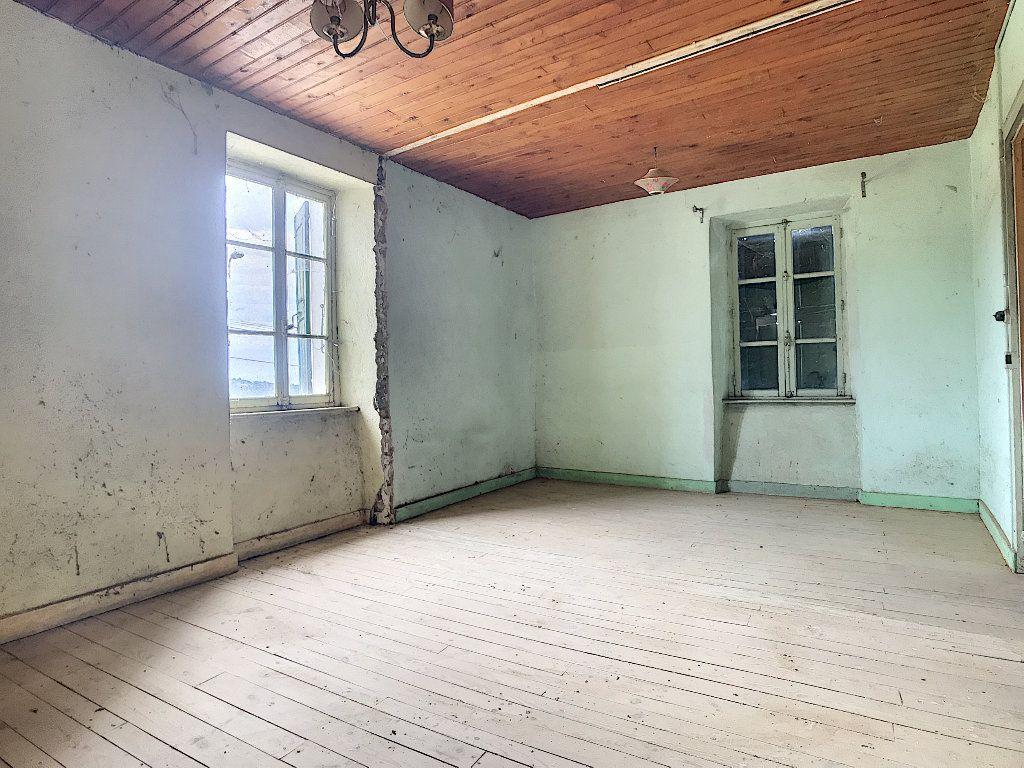 Maison à vendre 5 67m2 à Saint-Félicien vignette-5