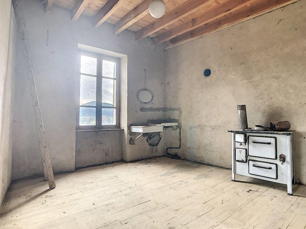 Maison à vendre 5 67m2 à Saint-Félicien vignette-6