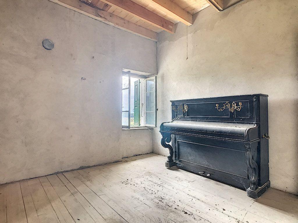 Maison à vendre 5 67m2 à Saint-Félicien vignette-8