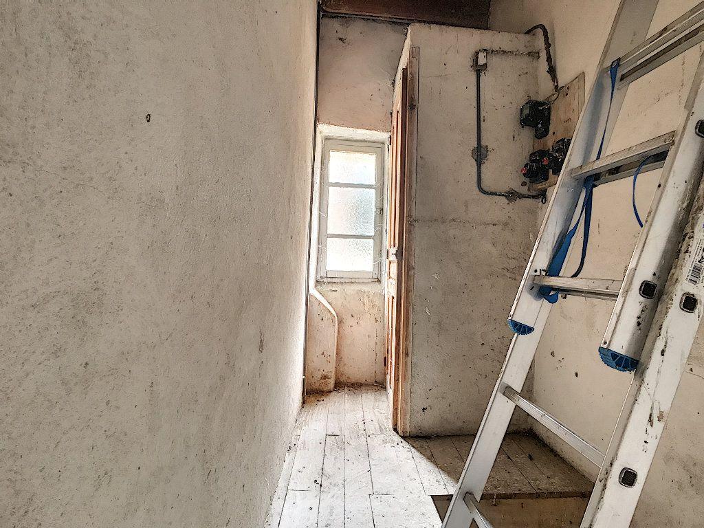 Maison à vendre 5 67m2 à Saint-Félicien vignette-9
