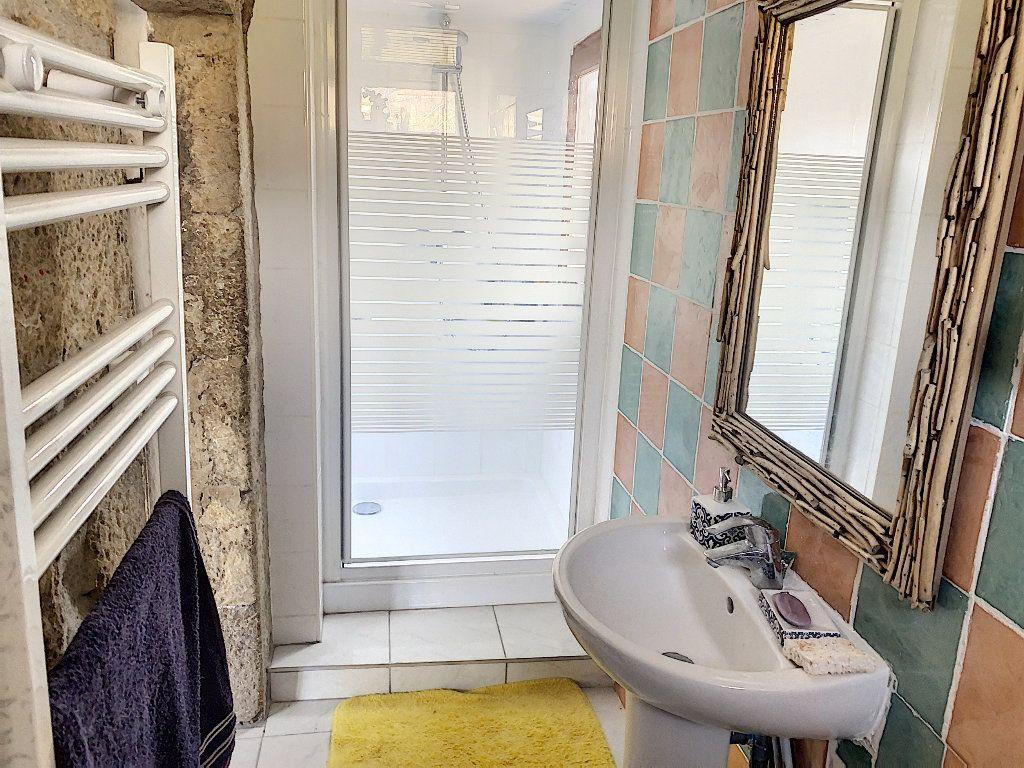 Maison à vendre 3 50m2 à Saint-Félicien vignette-5