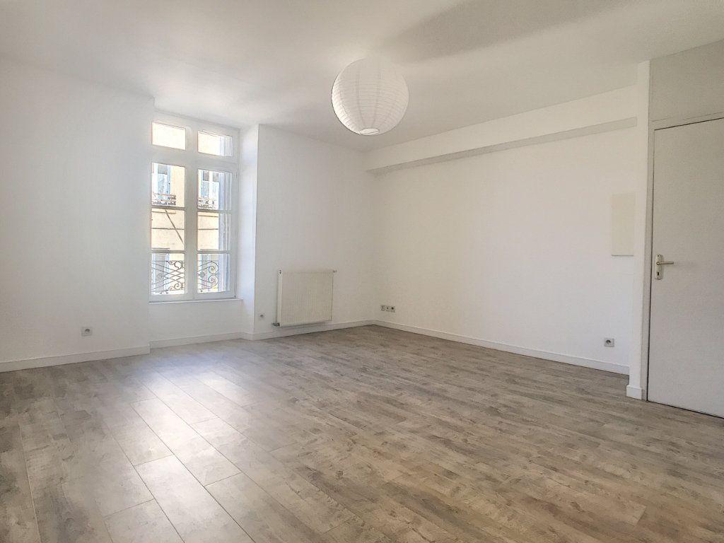 Appartement à louer 3 59.06m2 à Tain-l'Hermitage vignette-1
