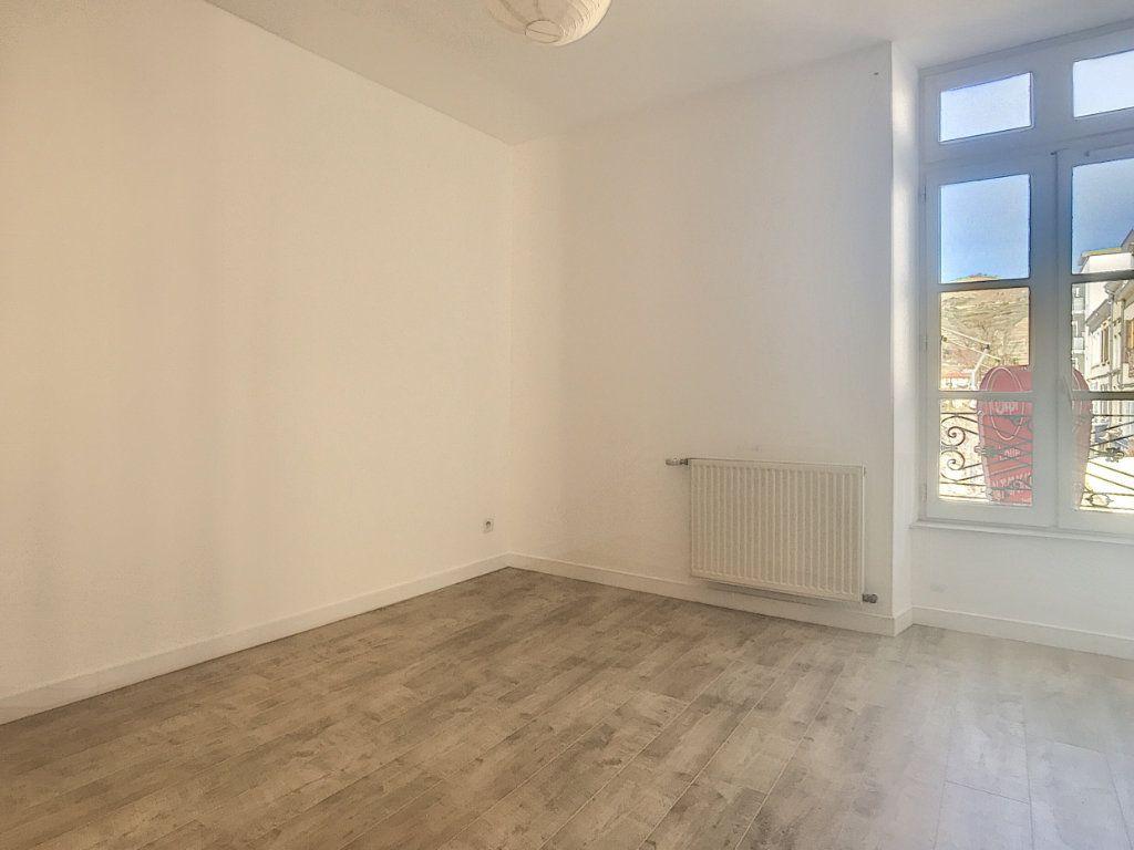 Appartement à louer 3 59.06m2 à Tain-l'Hermitage vignette-3
