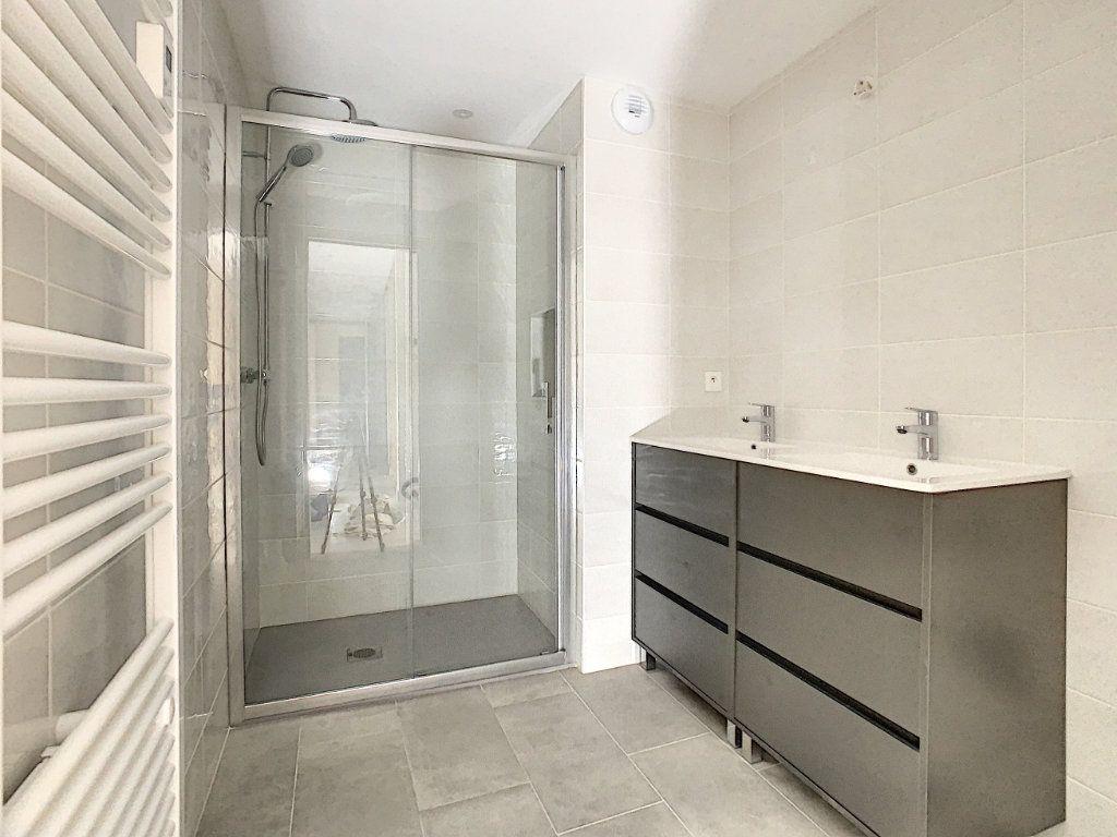 Appartement à louer 4 89m2 à Tain-l'Hermitage vignette-9