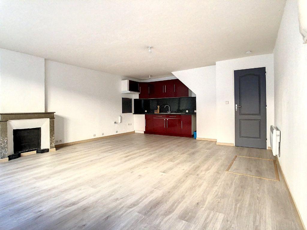 Appartement à louer 3 61.95m2 à Lamastre vignette-2