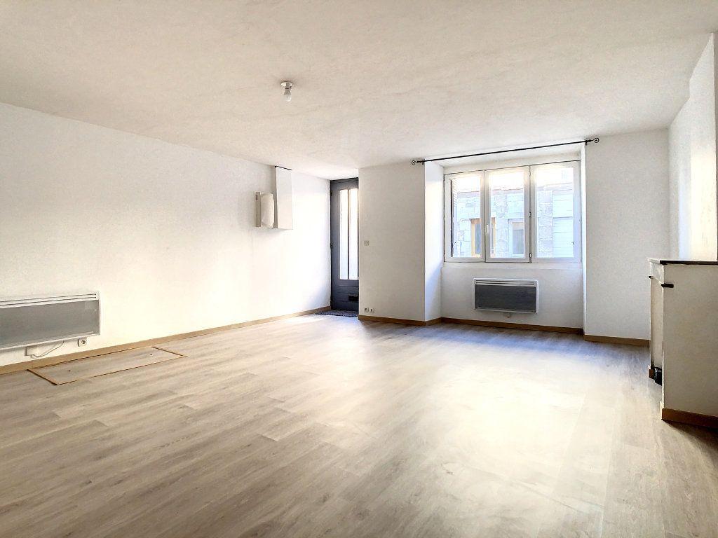 Appartement à louer 3 61.95m2 à Lamastre vignette-4