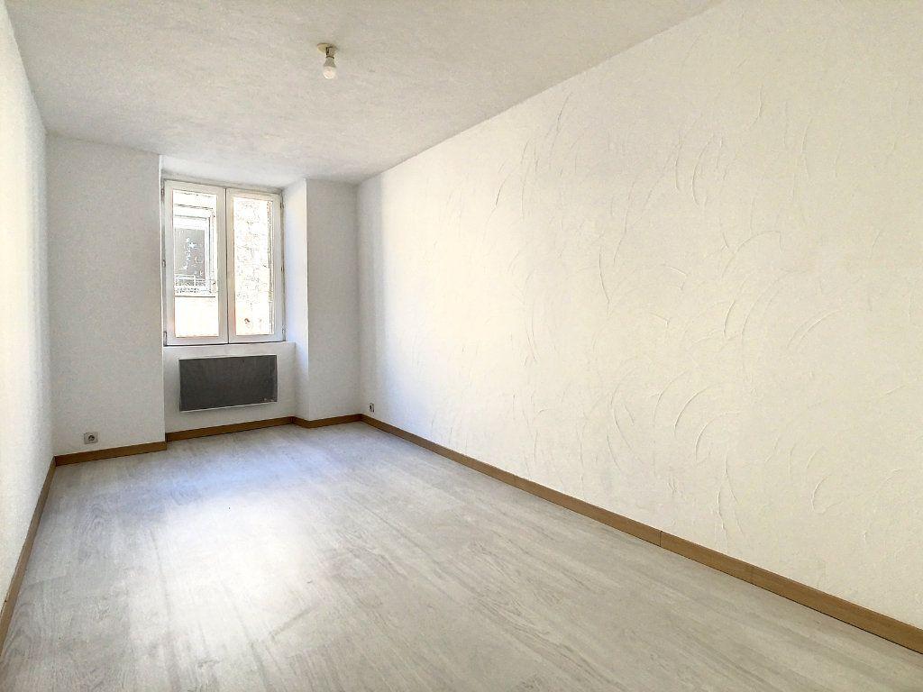 Appartement à louer 3 61.95m2 à Lamastre vignette-6