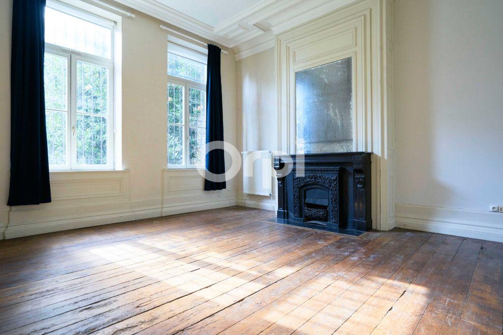 Appartement à vendre 6 180m2 à Lille vignette-1