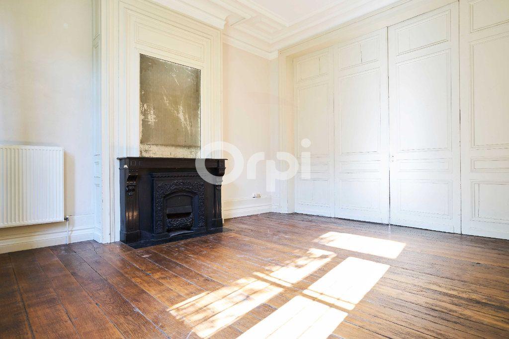 Appartement à vendre 6 180m2 à Lille vignette-2