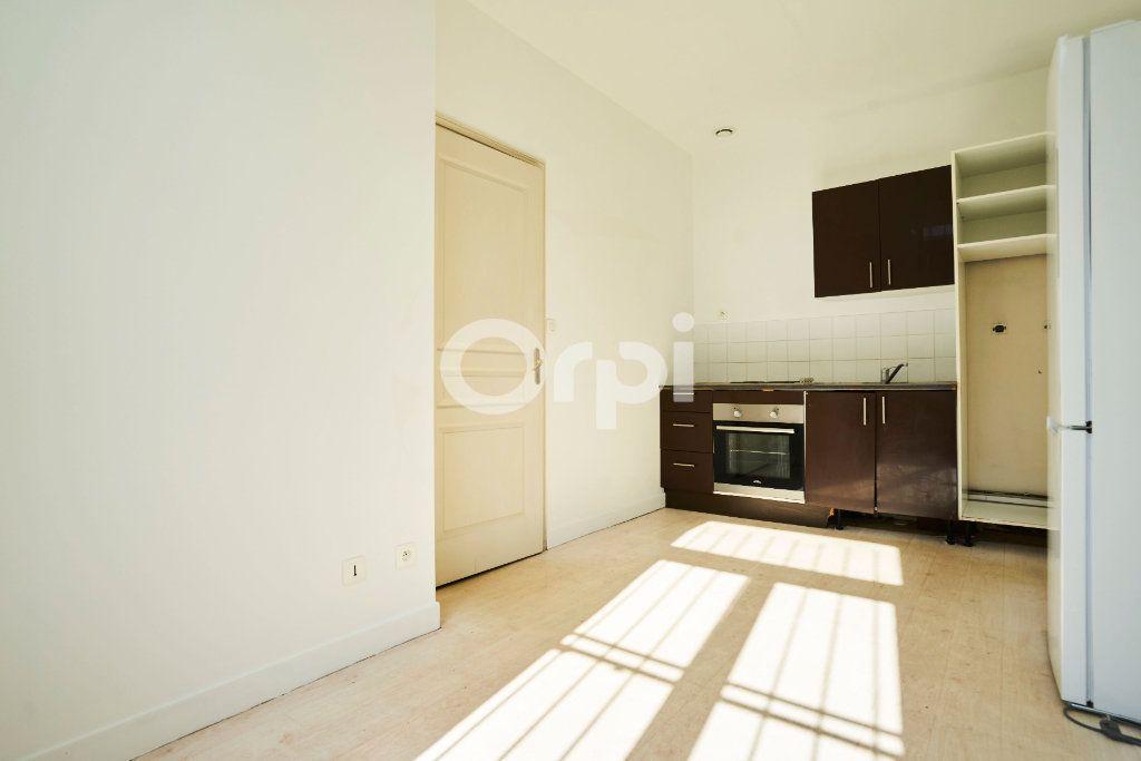 Appartement à vendre 6 180m2 à Lille vignette-3
