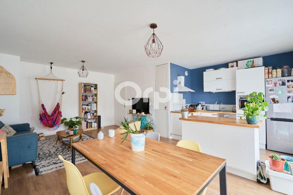 Appartement à vendre 3 67.99m2 à Lille vignette-2