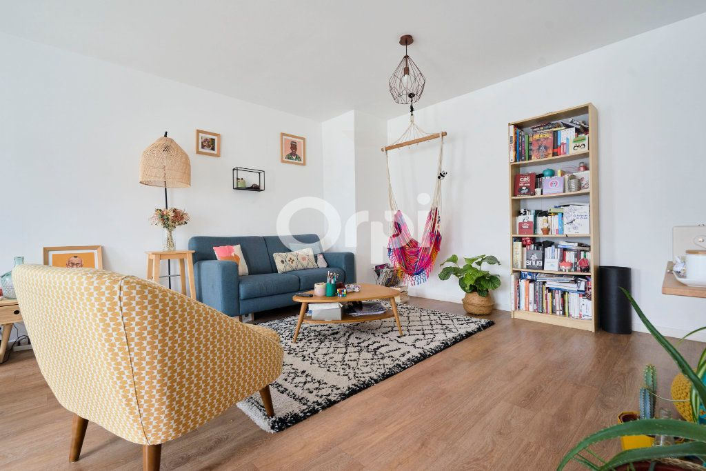 Appartement à vendre 3 67.99m2 à Lille vignette-4