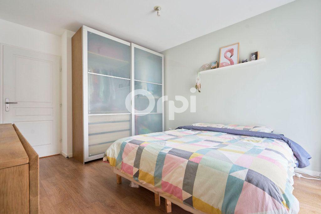 Appartement à vendre 3 67.99m2 à Lille vignette-5