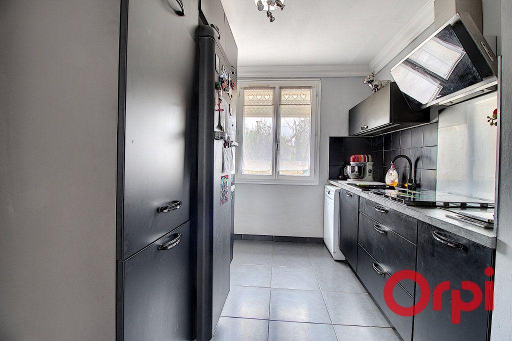 Appartement à vendre 3 62m2 à Marseille 9 vignette-2