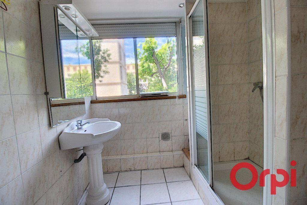 Appartement à vendre 4 69m2 à Marseille 9 vignette-5