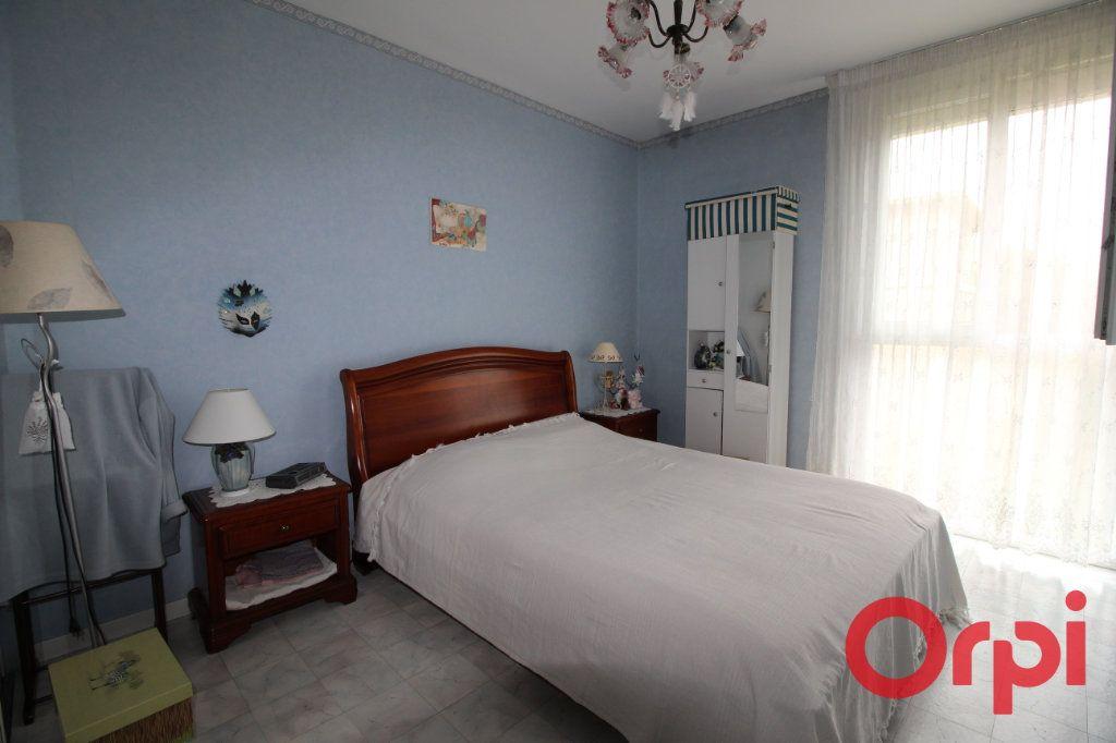 Appartement à vendre 3 56m2 à Marseille 9 vignette-3
