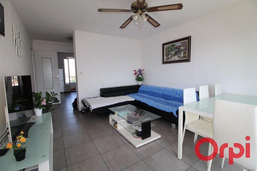 Appartement à vendre 3 55m2 à Marseille 9 vignette-3