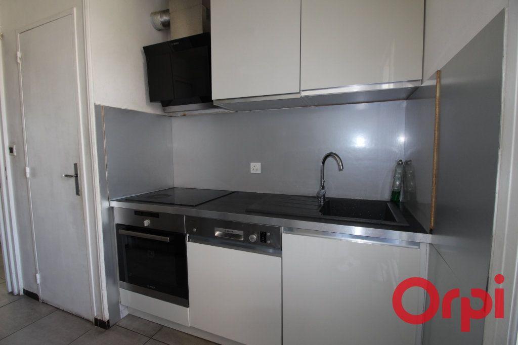 Appartement à vendre 3 55m2 à Marseille 9 vignette-4