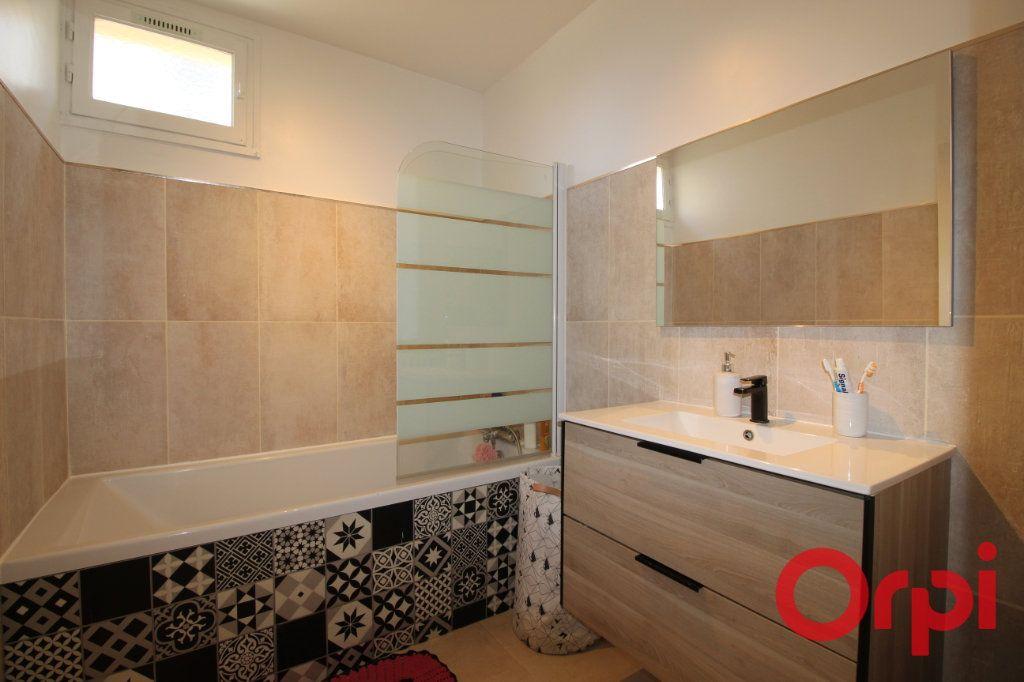 Appartement à vendre 4 83m2 à Marseille 10 vignette-5