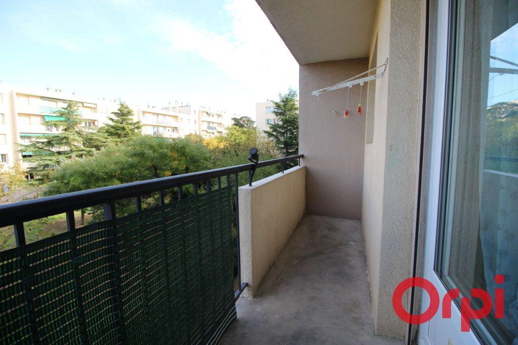 Appartement à louer 3 51m2 à Marseille 9 vignette-2