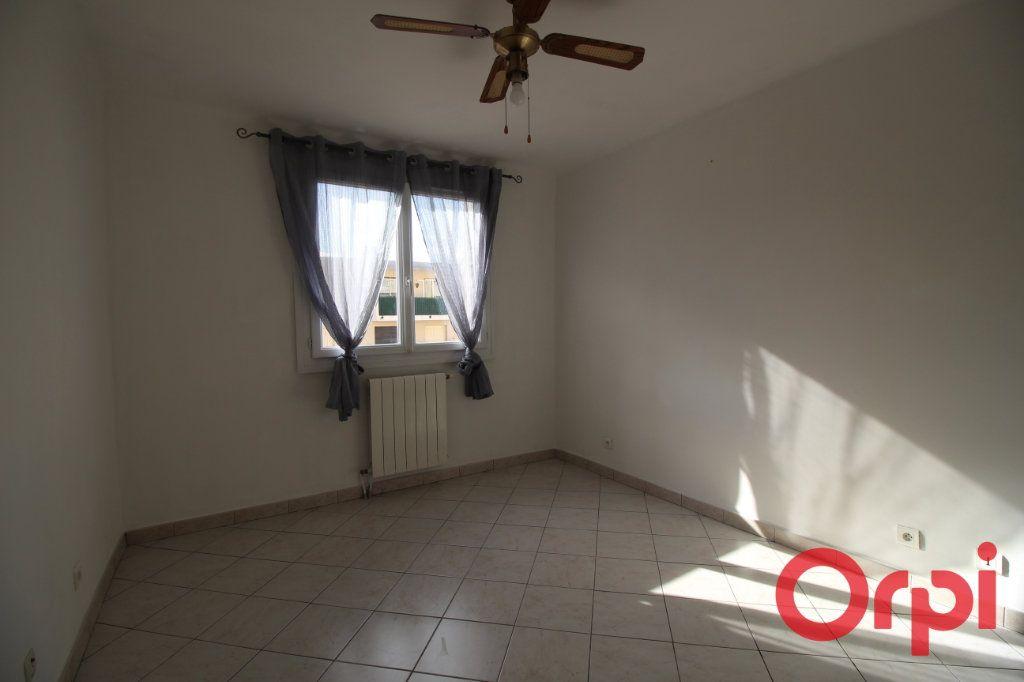 Appartement à louer 3 51m2 à Marseille 9 vignette-4